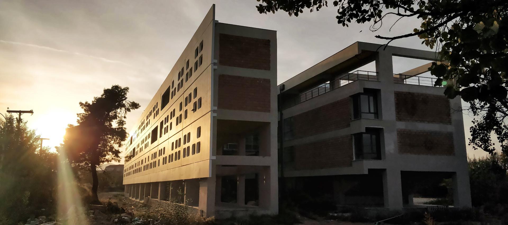 Πρόσοψη Νέου Κτιρίου Τμήματος ΗΜΜΥ Πανεπιστημίου Θεσσαλίας cover image